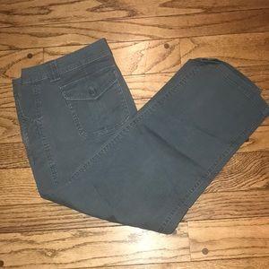 EUC Gap Green Cropped Pants